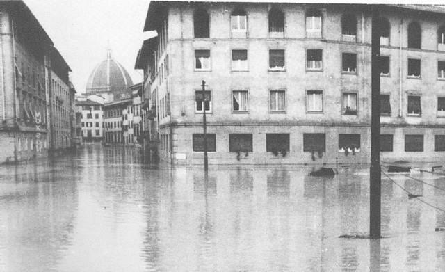 Alluvione_di_Firenze_07 (Wikipedia, foto pubblico dominio)