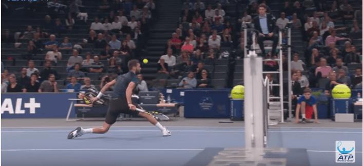 Tennis, Benoit Paire e il miglior dropshot di sempre VIDEO