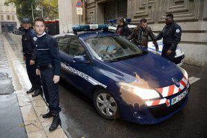 Polizia Francese PHOTO / BORIS HORVAT (Photo credit should read BORIS HORVAT/AFP/Getty Images)