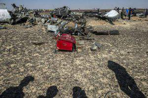 I resti dell'aereo russo (KHALED DESOUKI/AFP/Getty Images)