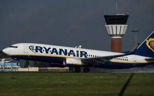L'hostess gli ustionò i genitali, maxi risarcimento da Ryanair