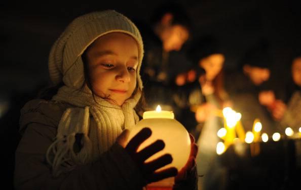 Candele     (Photo credit should read KAREN MINASYAN/AFP/Getty Images)