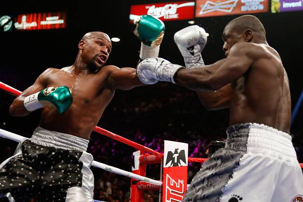 Floyd Mayweather in azione (Photo by Ezra Shaw/Getty Images)