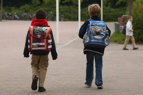 Pericolo pedofili fuori dalle scuole (Photo by Sean Gallup/Getty Images)