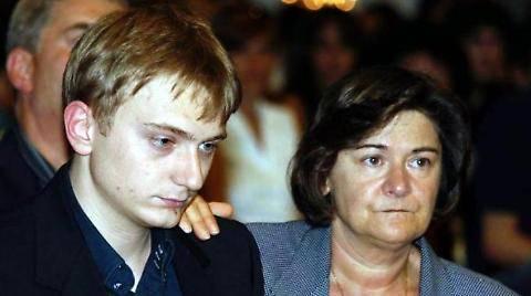 """La mamma di Stasi: """"Qualcuno sa chi è il vero assassino di Chiara"""""""