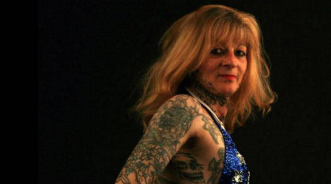 Marie-France Estève la donna più tatuata della Francia  fonte news.ch