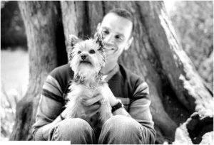 """Medico malato di AIDS, """"Il mio cane mi ah salvato la vita"""""""