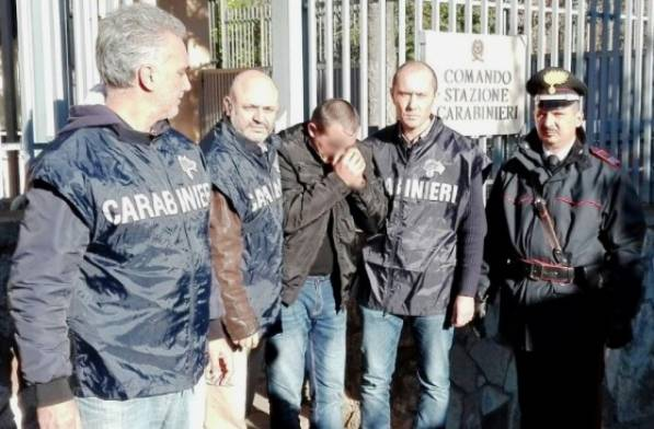 L'arresto di Orlando (foto carabinieri)