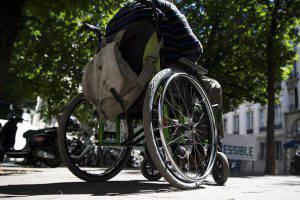 vigili donano giorni di ferie a un collega per stare coi figli disabili