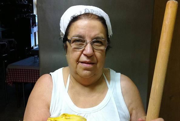 La cuoca Mirella (foto Facebook)