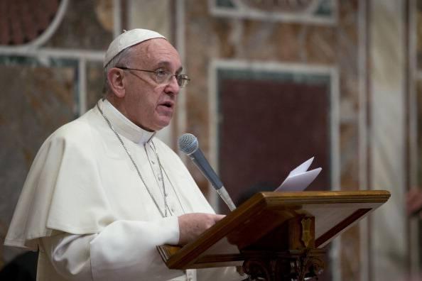 Papa: Europa non vacilli, e accolga migranti