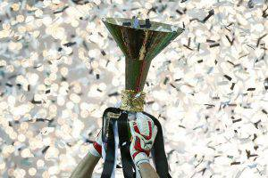 Il Trofeo della Serie A (Photo credit should read MARCO BERTORELLO/AFP/Getty Images)