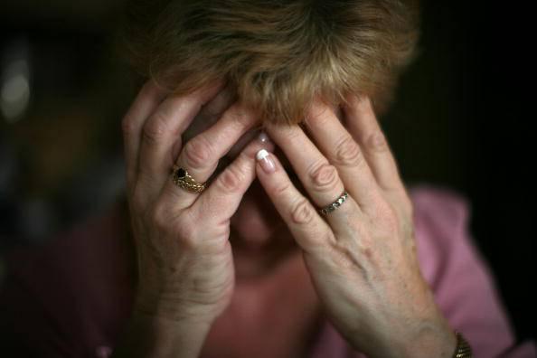 Anziana truffata  (Photo by Christopher Furlong/Getty Images)