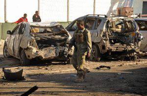 Mogadiscio, i resti della strage (MOHAMED ABDIWAHAB/AFP/Getty Images)