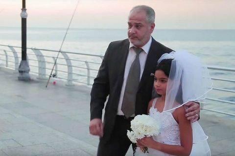 Sposa-bambina di appena 12 anni  all'altare con un 50enne: ecco come è andata -FOTO