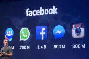 Messenger di Facebook (Photo credit should read Josh Edelson/AFP/Getty Images)