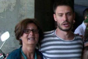 Giulio Regeni con la madre Paola (foto dal web)