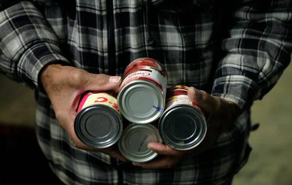 Pensionato ruba per fame, lo salvano i Carabinieri