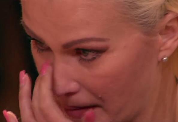 Le lacrime di Eva Henger (ritaglio video)