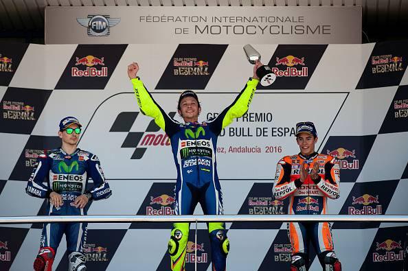 Il podio del Gran Premio di Jerez (Photo credit should read JORGE GUERRERO/AFP/Getty Images)
