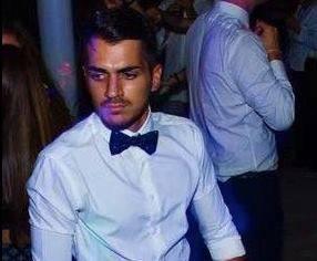 Alessio in cravatta