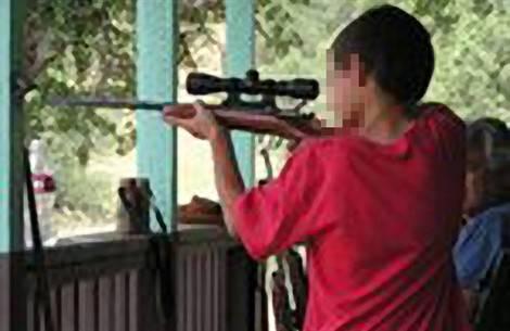 Bimbo di 5 anni uccide la sorellina di 4 sparandole in faccia