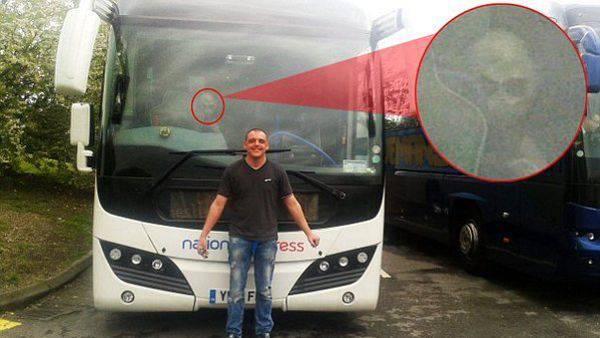 Alieno nel bus fonte Dailymail