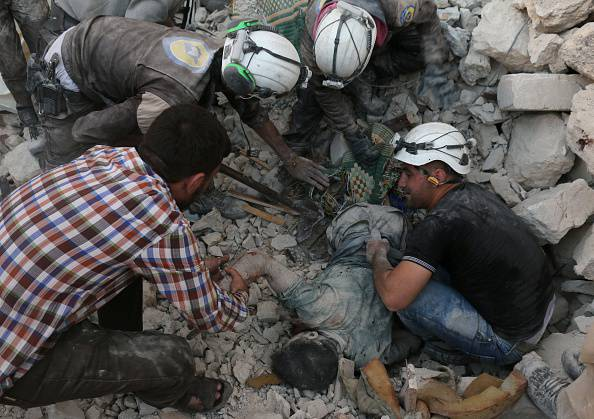 Bombardamenti ad Aleppo (AMEER ALHALBI/AFP/Getty Images)