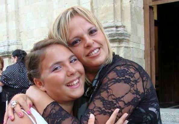 Antonella Salimbene e la figlia Azzurra (Facebook)