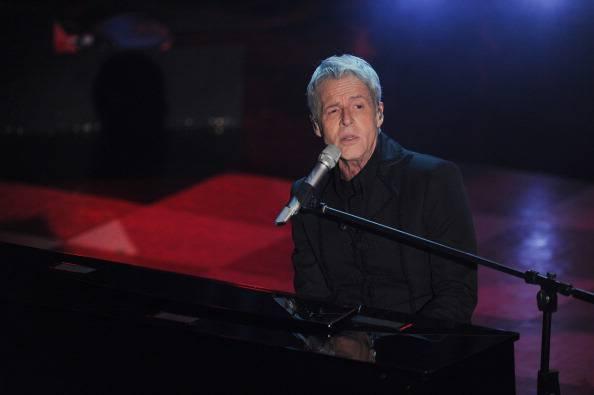 Claudio Baglioni si spazientisce e interrompe il concerto: ecco perché…