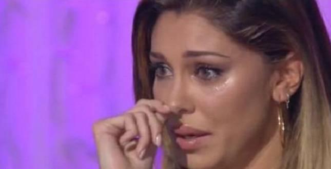 Belen Rodriguez in lacrime fonte websource