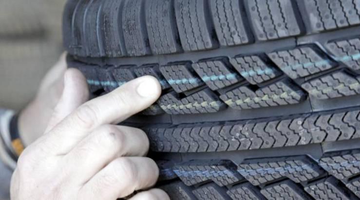 Scatta l'obbligo di cambiare pneumatici: rischiate super multe