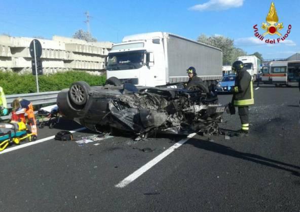 Incidente sulla A14 (foto vigili del fuoco)