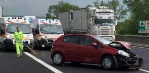 Le immagini di una delle due auto coinvolte nell'incidente (Web)