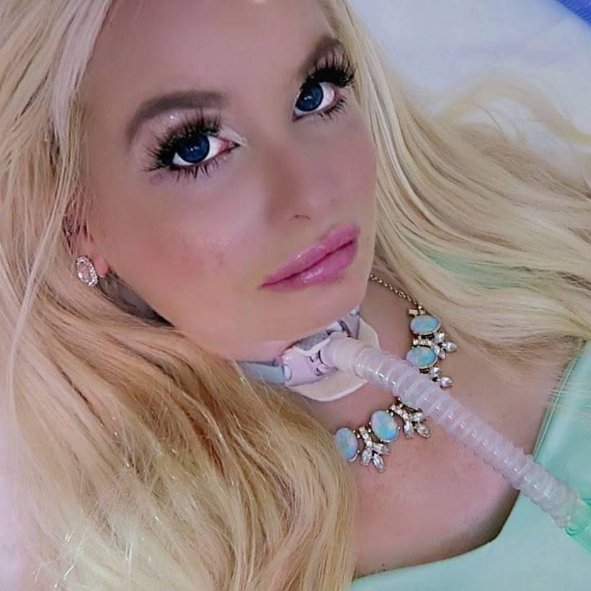 Jasmin Britney, la barbie umana fonte youtube