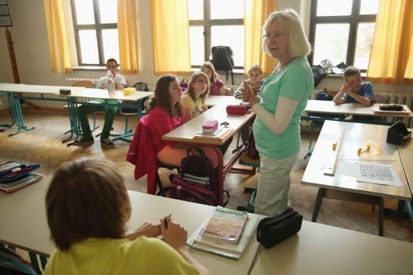 L'insegnante è donna? Gli studenti musulmani non le danno la mano