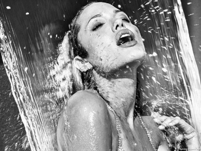 pipì sotto la doccia fonte websource