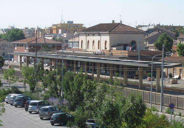 Stazione di Riccione : ragazzo di Pescara muore investito da un treno