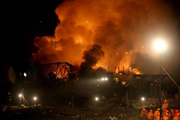 Scoppi e incendi nella fabbrica: è dramma