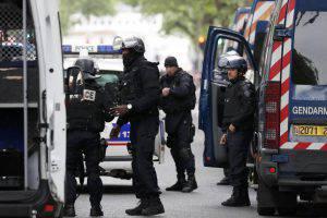 blitz polizia (web source)