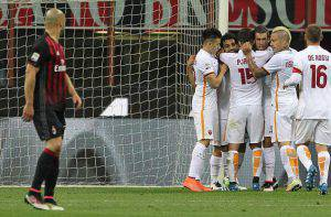 Alex guarda sconsolato la Roma esultare (Photo by Marco Luzzani/Getty Images)