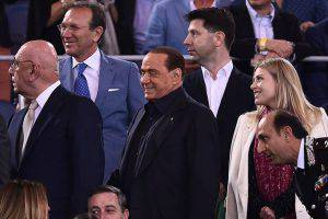 Silvio Berlusconi e Adriano Galliani e Barbara Berlusconi (Photo credit should read FILIPPO MONTEFORTE/AFP/Getty Images)
