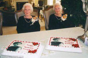 Le gemelle festeggiano i loro 100 anni (DailyMail)