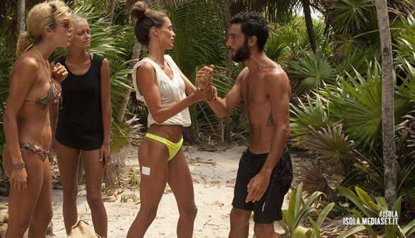 isola del famosi: lite tra Jonas e Paola