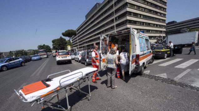 Ancona bimbo di 4 anni cade dalla finestra della questura for Questura di ancona permesso di soggiorno