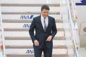 Renzi arriva al G7 (Getty Images)
