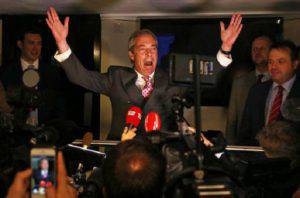Farage esulta (GEOFF CADDICK/AFP/Getty Images)