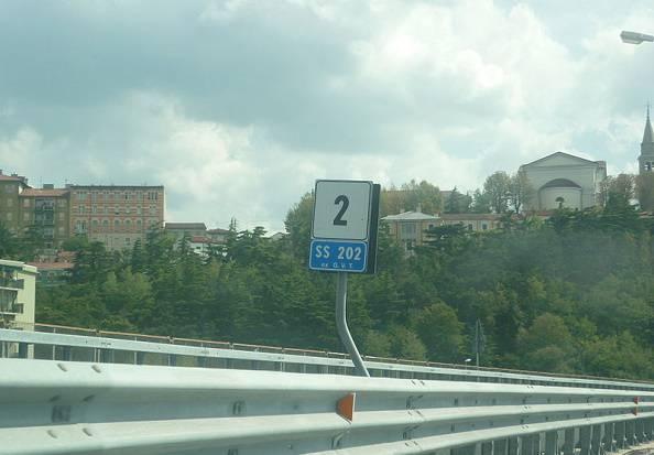 Contromano in autostrada, auto killer a Trieste: due morti, quattro i feriti