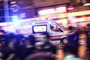 Istanbul, soccorsi dopo l'attentato (Defne Karadeniz/Getty Images)