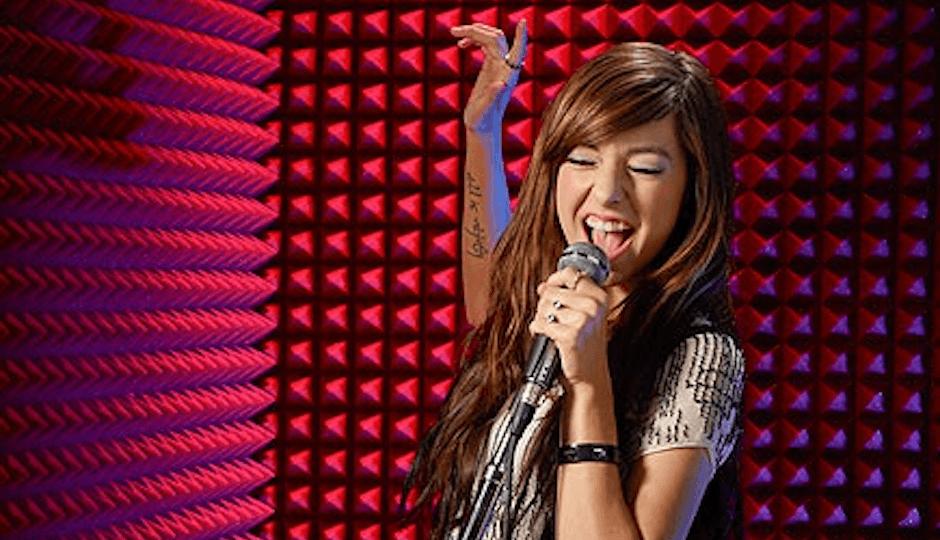 La cantante pop uccisa da un fan con un colpo di pistola: le ultime immagini -VIDEO